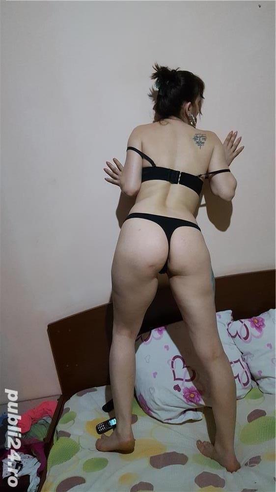 Cristina, Bruneta sexy si sttilata te astept in locatia mea
